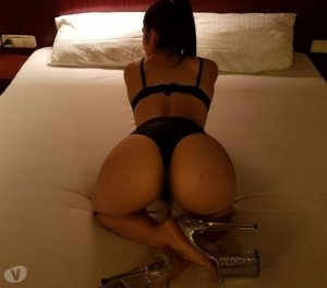 Estelline exotic escort girl in Geneva, IL